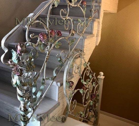 lekka balustrada różana kuta